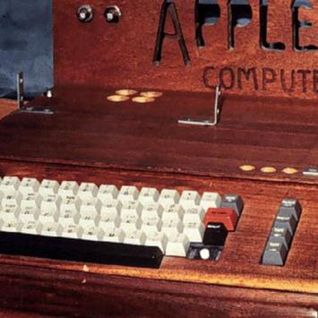 Trước khi iPhone X ra mắt hãy cùng nhìn lại phiên bản đầu tiên của Apple I, iPhone và 8 sản phẩm công nghệ quen thuộc